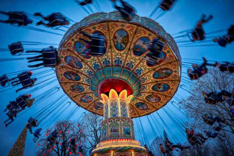 the-swing-carousel-tivoli-gardens-Lasse_Salling.